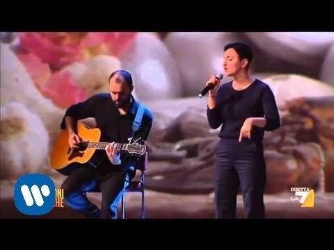 """Arisa canta """"Controvento"""" ospite de """"Le Invasioni Barbariche"""""""