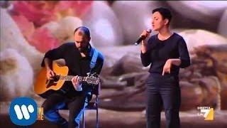 Arisa canta
