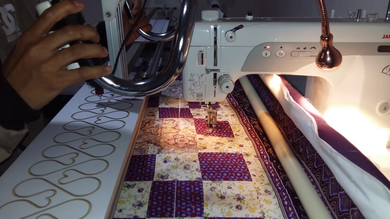 Janome 1600pqc free motion with frame quilt long arm - YouTube