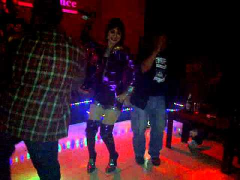 Dangdut Live BBM Ana deCat - Club Residence 2012.3GP