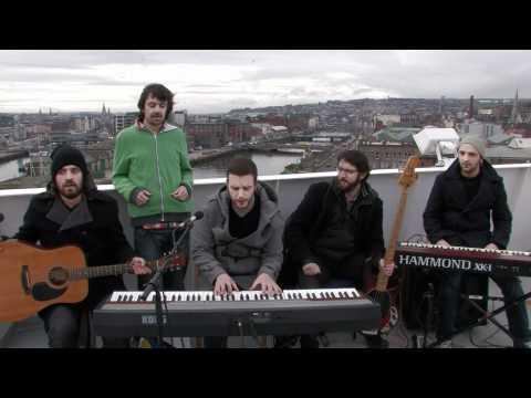 SLOW MOTION HEROES - PAPER OVER CRACKS (BalconyTV)