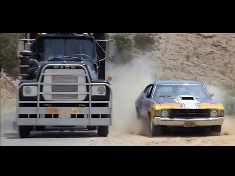 '77 Mack vs. '71 Chevelle in Convoy
