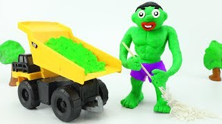 Play Doh GIANT TRUCK Cars toy for kids Family Fun Stop Motion TRAKTOR Cleaning Kinetic Sand