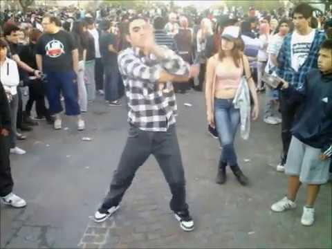Zombie Walk 2011 - Buenos Aires Argentina @ Baile urbano - YouTube