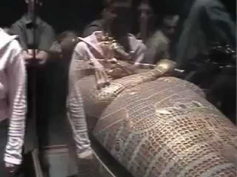 egypt king tut in the cairo museum
