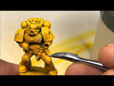 Chipping Fluid from AK-Interactive on a Warhammer 40K Space Marine miniature