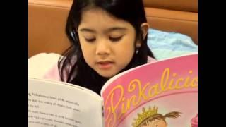 Video Almira Tunggadewi Yudhoyono (Aira) reading book 2 download MP3, 3GP, MP4, WEBM, AVI, FLV Juni 2018