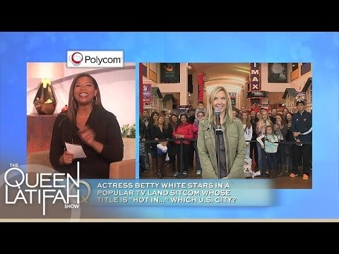 Q-Cam Pops Up In Chicago! | The Queen Latifah Show