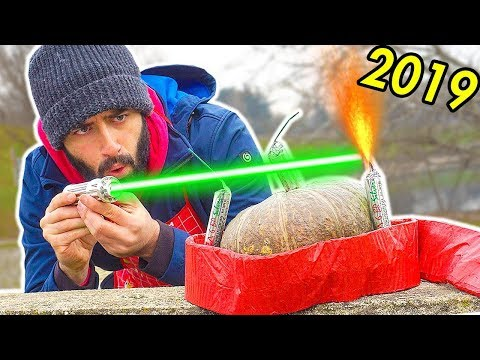 PETARDI POTENTI Vs LASER - EFFETTO sulle MANI *Esperimento Capodanno 2019*