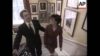 UK - Tony Blair inspects 10 Downing Street