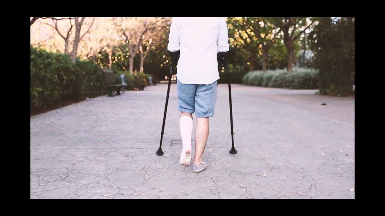 Wie läuft man mit Krücken ohne Schmerzen? - Natürlich mit