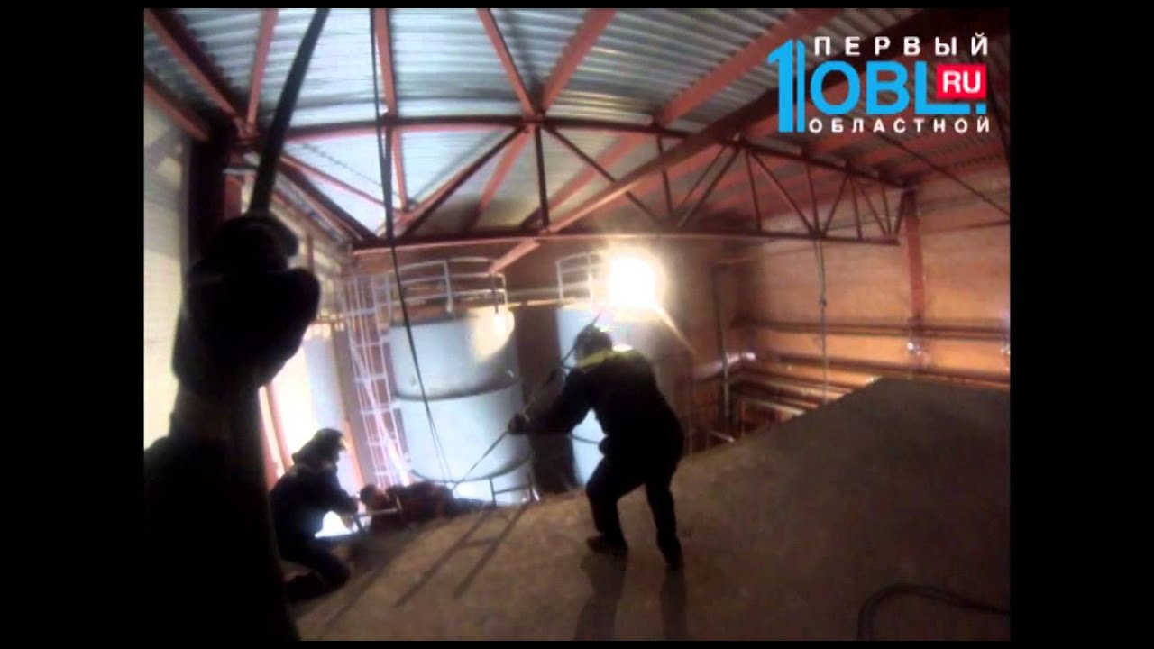 Промышленный альпинист упал с 5-го этажа в Челябинске ...