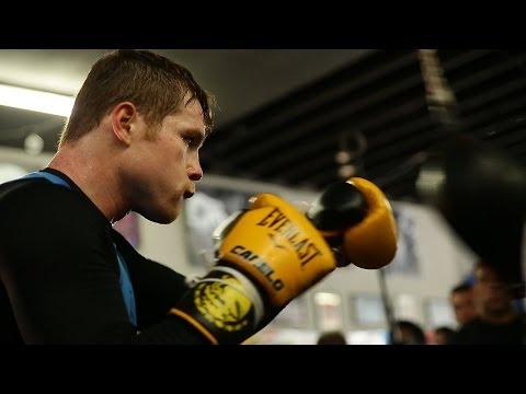 Canelo Alvarez media workout: shadow boxing, heavy bag