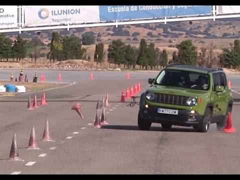 Jeep Renegade 2015 - Maniobra de esquiva (moose test) y eslalon | km77.com
