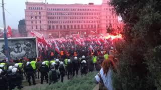 Marsz Niepodległości pirotechnika. Patrioci i Obywatele.