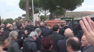 Funerali Pino Daniele, Jovanotti Zero Mannoia e tanti altri vip presenti
