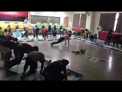 "Nature dance yoga kids ""Learning English through yoga"" in Taiwan. By: Zubair & Berta"