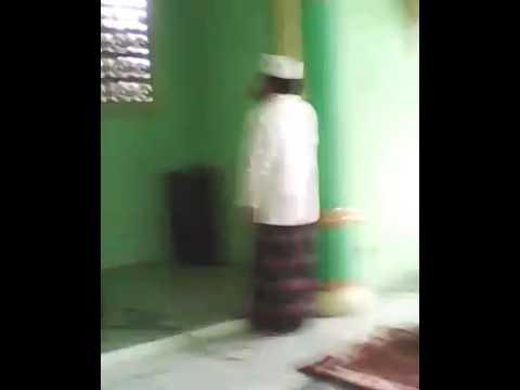 Adzan H Muammar ZA - LIVE In Ponpes Ummul Qurro