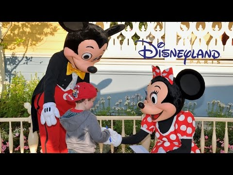 Meeting Characters at Disneyland Paris - Mickey Mouse, Minnie, Donald Duck, Etc.