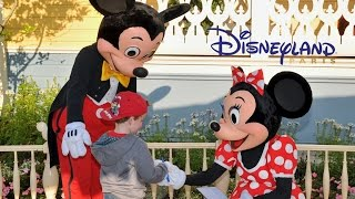 Meeting Characters at Disneyland Paris - Mickey Mouse, Minnie, Donald Duck, Etc.(Having lots of fun meeting lots of characters at Disneyland Paris. Mickey Mouse, Minnie Mouse, Pluto, Goofy, Donald Duck, Chip and Dale, Rabbit, ETC., 2015-06-28T11:32:37.000Z)