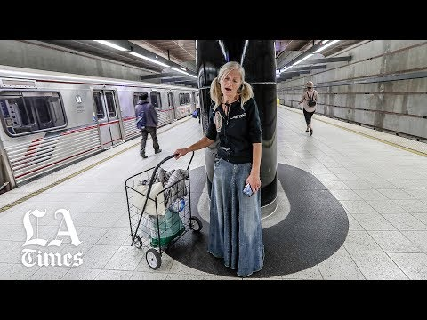 Raphael - Homeless Singer In LA Subway Goes Viral And It's Beautiful