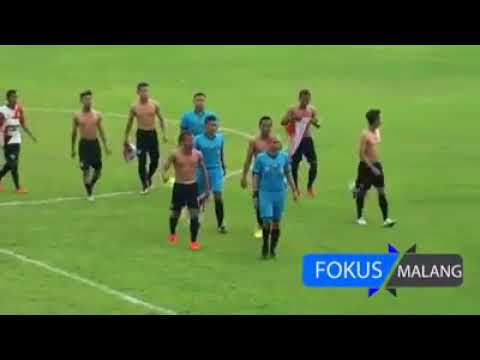 Video: Detik-detik tendangan Sadis!!! Pelanggaran PSBK vs Persewangi