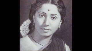 Dr. Prabha Atre - the legend rendering Marathi Gazal .wmv