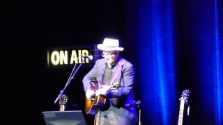 Elvis Costello - Jimmie Standing In The Rain