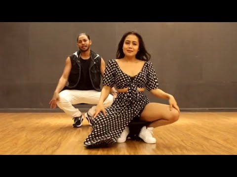 Neha Kakkar Amazing Dance 🔥 || Aankh Marey Song | Simmba