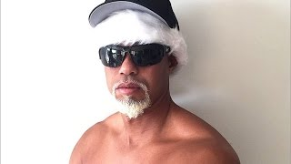 Tiger Woods Shirtless Mac Daddy Santa On Twitter - Lindsay Vonn Seen This?