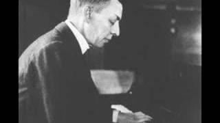Rachmaninoff plays his own Piano Concerto No. 3 (Part 1) - 1939