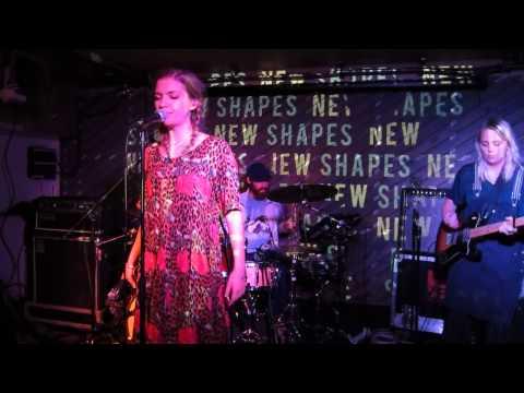 Tove Styrke - Borderline (Live at Notting Hill Arts Club)