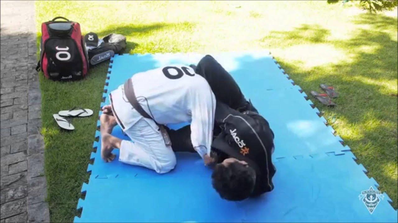 Danillo Villefort ensina ataque surpresa da meia-guarda no Jiu-Jitsu