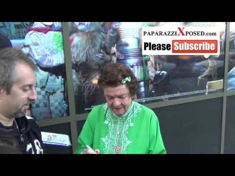 Dorothy Barrett greets  outside of  nights of The Wizard Of Oz at Pantages Theatre in Hol