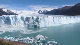 Desprendimiento de hielo en Glaciar Perito Moreno