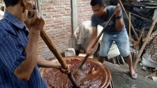 Joss kompak para bapak masak jenang dodol