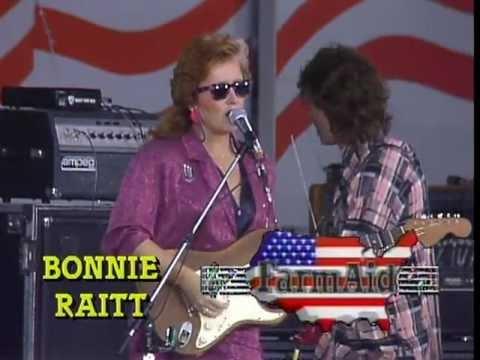 Bonnie Raitt - I Can't Help Myself (Live at Farm Aid 1985)