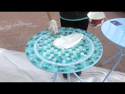 Customiser une table avec de la mosaïque | Migros Magazine