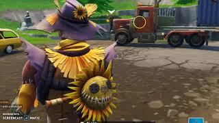 new hay man skin! (fortnite battle royale mic bacK) :D