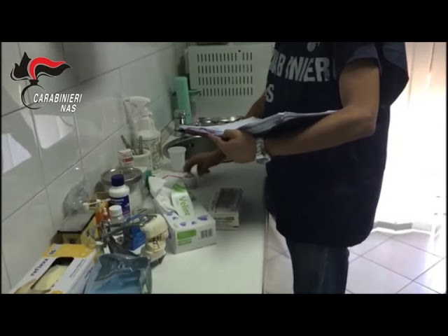 Falso dentista con strumenti di ultima generazione [STUDIO 98]