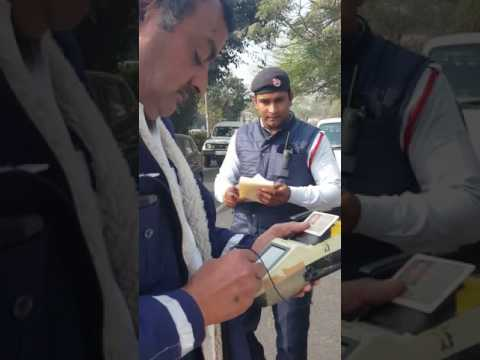 DELHI TRAFFIC POLICE ONCE AGAIN!