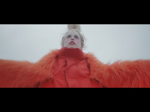 Petite Meller - Aeroplane (Official Music Video)