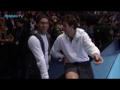 Juan Martin del Potro and Carlos Tevez play (foot)tennis | 2009 ATP Finals