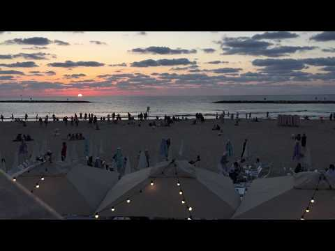 Digital transformation & Work Life Balance am Strand von Tel Aviv