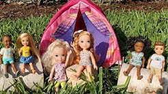 CAMP ! Elsa and Anna toddlers - camping - Barbie is counselor - outdoors activities