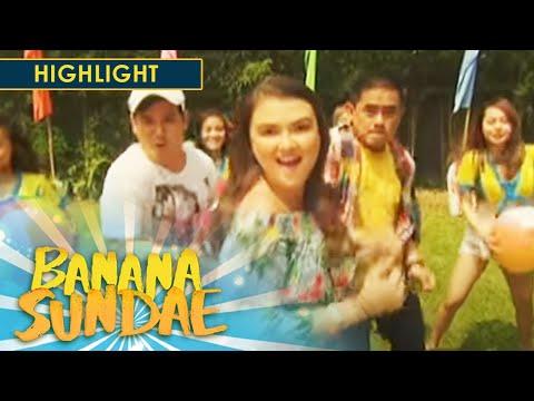 Banana Sundae: Bananakada performs