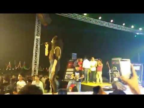 Muskurane ki wajah tum ho- Neha kakkar   live at IIIT-Allahabad