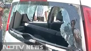 ndtv crew attacked in dadri car window smashed