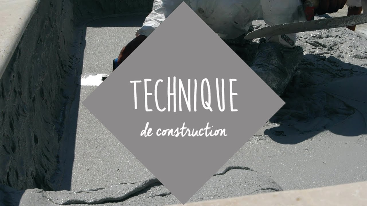 Application du rev tement tapes de construction d 39 une for Piscine en beton projete