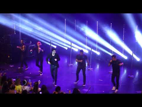 NKOTB Cruise 2017-Concert Group B-Throwing it back